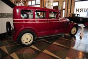 Automobile Museum Features Auburns, Cords, Duesenbergs and more (USA) - foto 33 van 279